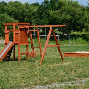 Дитячий майданчик База Комарово